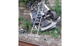 Read more: VIDEO. Mașină căzută de pe carosabil pe calea ferată. 3 oameni la spital