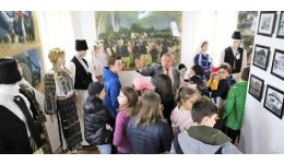 Read more: Cula Racovița, vizitată de elevii din București
