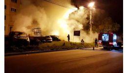 Read more: VIDEO. 4 mașini incendiate, într-o parcare. Focul a fost pus de mână criminală, la 2 dintre autoturisme