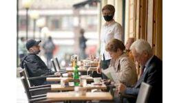 Read more: Restaurantele se deschid în judeţele unde, în ultimele 14 zile, sunt mai puţin de 1.5 cazuri de infectare la 1.000 de locuitori. Hotărârea CNSU, integral