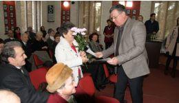 Read more: Râmnicu Vâlcea: De Sfântul Nicolae, 20 de cupluri de râmniceni au fost sărbătoriţi cu ocazia împlinirii unei jumătăţi de veac de căsnicie