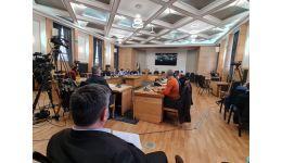 Read more: La pomul lăudat să nu te duci cu sacul. Consilierii PSD din CL Pitești nu discută cu presa