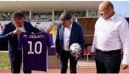 Read more: Un articol bolnav de Alin Buzărin despre Ciolacu, Gentea, FC Argeș și tricoul lui Dobrin