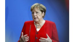 """Read more: """"Cine o va opri pe Angela Merkel? Ea a împlinit visul lui Hitler!"""""""