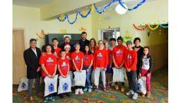 Read more: Arhiepiscopia Râmnicului a oferit daruri copiilor din centrele de plasament