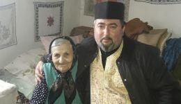 Read more: Arhiepiscopia Râmnicului: Alimente și masă caldă pentru bătrânii de la Parohia Dianu, Protoieria Horezu (comuna Stroești)