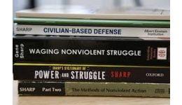 Read more: Cine este agentul american care a creat mișcarea #rezist în România
