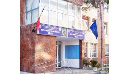 Read more: ISJ Vâlcea:  89 de elevi infectați cu SARS-CoV-2. 50 de clase cu activitatea suspendată