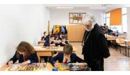 Read more: Secretariatul de Stat pentru Culte (SSC), precizări: Preoții care predau Religia în școli NU au sporuri suplimentare față de alți profesori