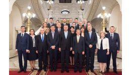 Read more: Bombă ! Cioloş nu a fondat niciun partid. Preşedintele PLUS este altcineva
