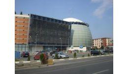 Read more: Mall-ul din Rm. Vâlcea ar putea fi dărâmat. Oraşul , în pericol de sufocare