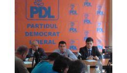 Read more: Continuă harababura! PDL Vâlcea nu și-a desemnat candidații!