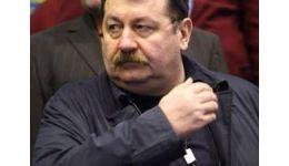 Read more: Să-ți mai spun o vorbă, Roibu:  cum au fost înlocuiţi directorii lui Ceuşescu cu directorii lui Iliescu