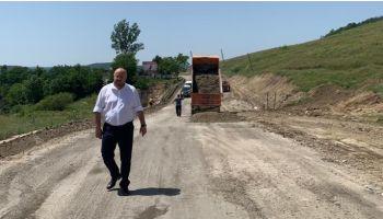 f_350_200_16777215_00_images_banner4_radulescu-drum-asfaltare-iulie-2019.jpg