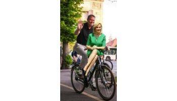 f_350_200_16777215_00_images_firea_iohannis_bicicleta.jpg