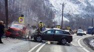 Accident cumplit la Brezoi. O VICTIMĂ ȘI ALTE TREI PERSOANE ÎN STARE GRAVĂ