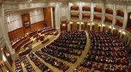 Parlamentul a aprobat eliminarea pensiilor speciale ale senatorilor și deputaților