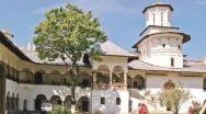 Pelerini din întreaga ţară vor participa, joi 16 august, la Hramul Sfintei Mănăstiri Hurezi